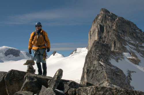 RON ON TOP OF THE HOUNDS TOOTH 4320x2868