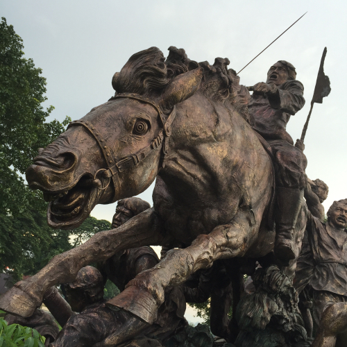 Sculpture-hero-heroism-statue-1691452