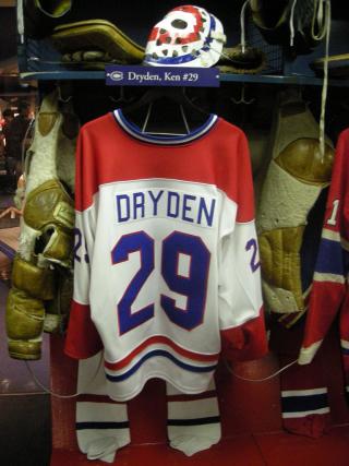 768px-HHOF_July_2010_Canadiens_locker_17_(Dryden)